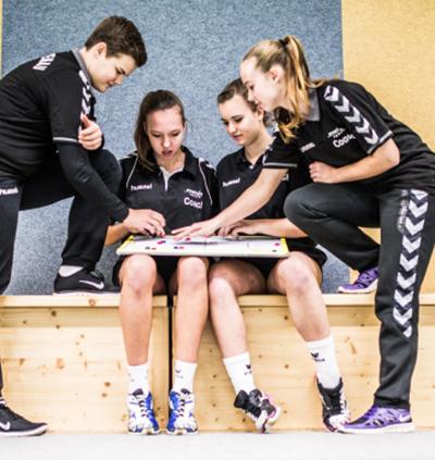 Handballtraining für Magazin Schule